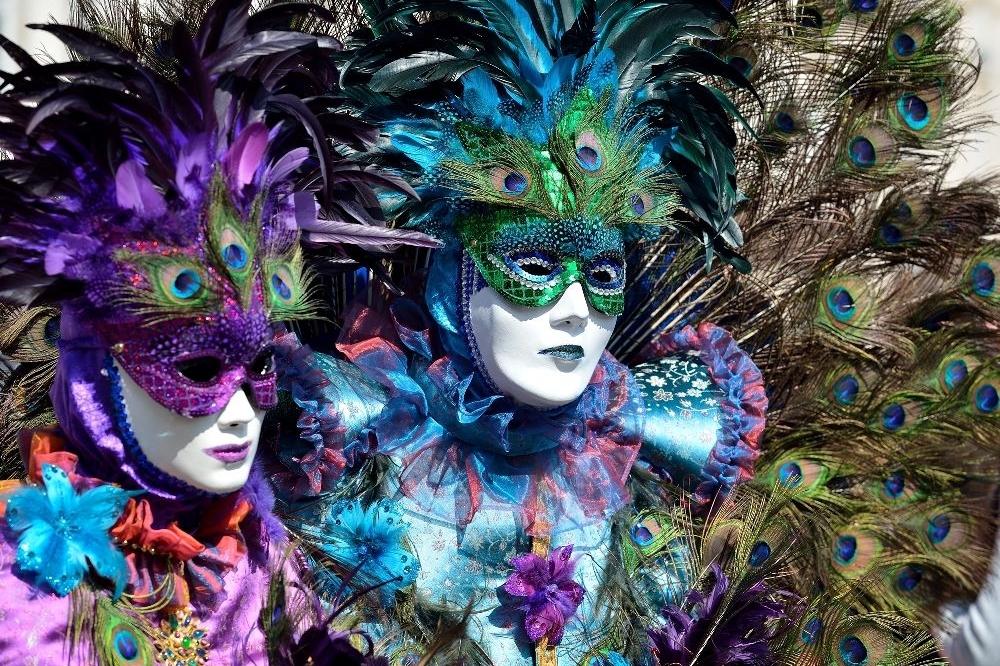 Dimanche, c'est carnaval sur les pistes à MERIBEL !